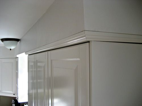 Crown To Quot Join Quot The Cabinets To The Soffit Awesome Idea