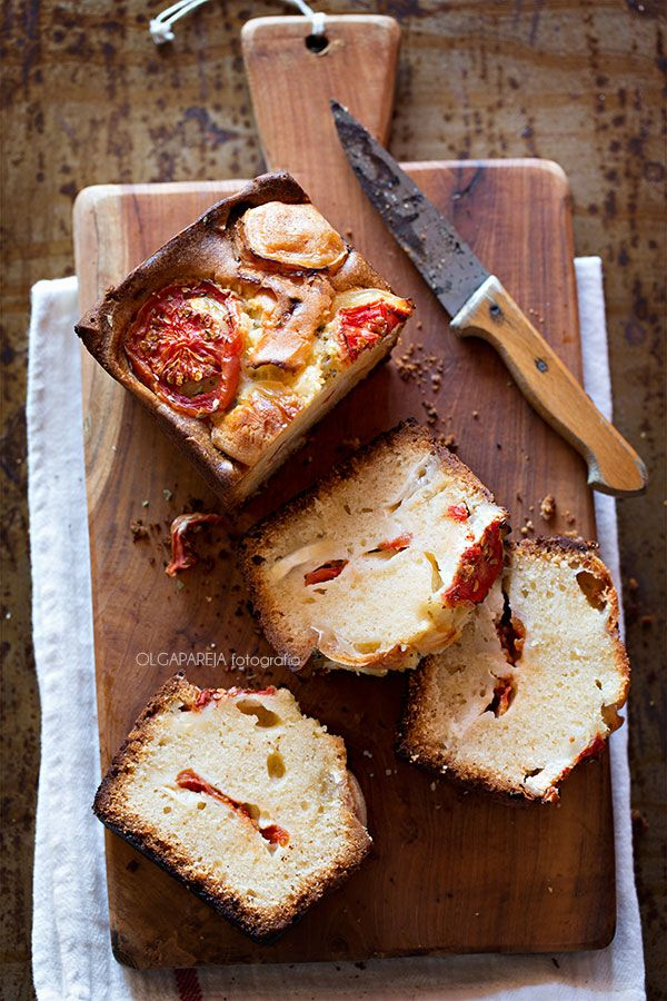 Goat cheese and tomato cake.