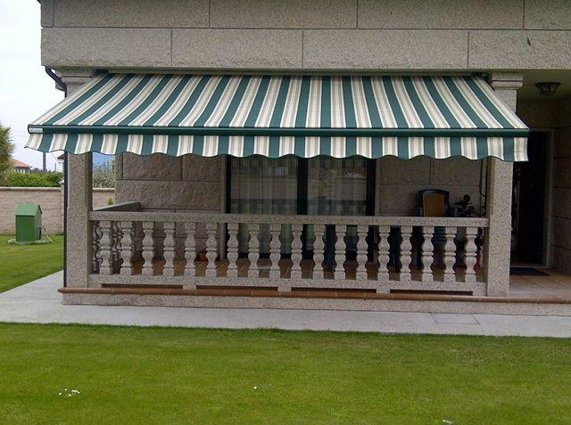 Toldos para cubrir las terrazas y resguardarse de los - Proteccion para terrazas ...