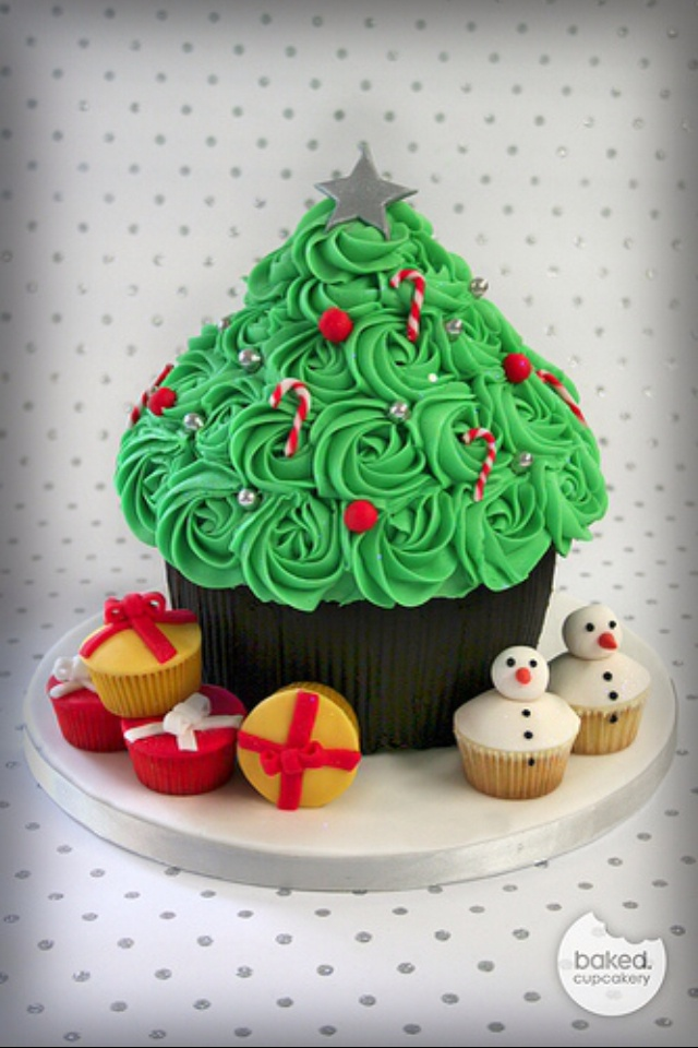 giant cupcake christmas tree by baked.cupcakery via flickr