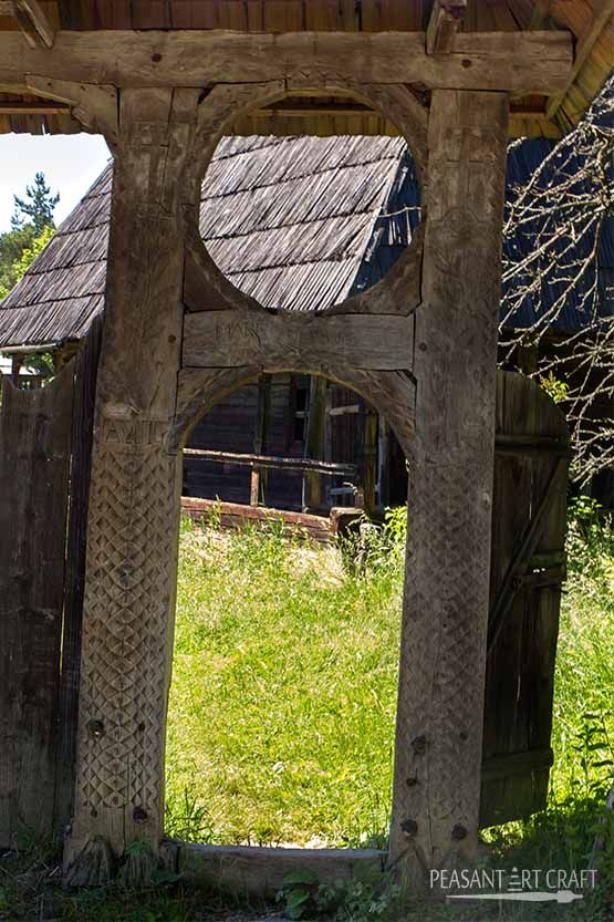 #Carved #gates in Maramures, North Romania.