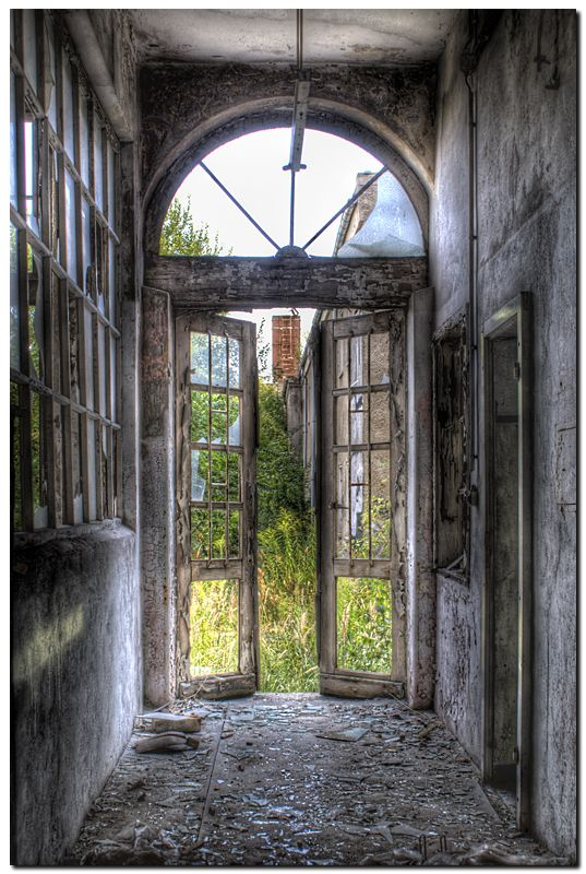 """Abandoned Bakery I"" -- [Photograph by *kiebitz (Johannes) - August 7 2009 on deviantART]'h4d-49.2013'"