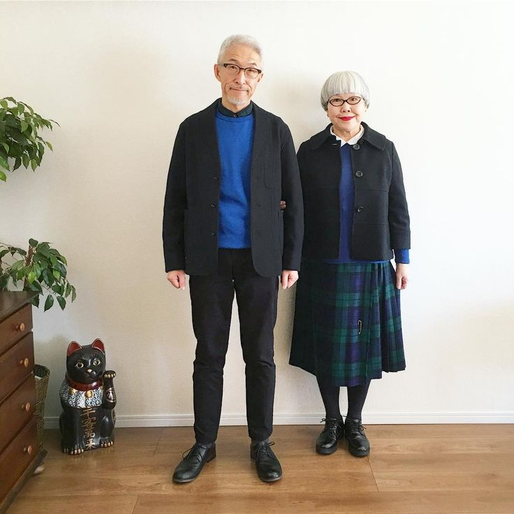 ある日のコーデ。  ponのスカートとbonのシャツがブラックウォッチでお揃い。  ponのキルトスカートは20年位前に古着屋さんで購入したもので本場スコットランド製。  bon  ・ジャケット(古着屋で購入)  ・青いスウェット(GU)  ・シャツ(UNIQLO)  ・パンツ(UNIQLO)  pon  ・ジャケット(西友で購入)  ・青いセーター(ニッセン)  ・ブラウス(楽天)  ・キルトスカート(古着屋)  #ある日のコーデ #夫婦 #60代 #ファッション #コーディネート #夫婦コーデ #今日のコーデ #グレイヘア #白髪 #共白髪 #couple #over60 #fashion #coordinate #outfit #ootd #instafashion #instaoutfit #instagramjapan #greyhair #bonpon511