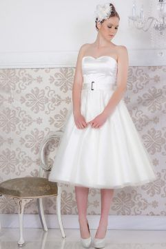 Audrey Lynn Vintage Bridal Mary Dress | Simple strapless tea length wedding dress with full tulle circle skirt and matching belt with buckle