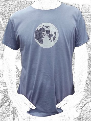 """Moon """"The Kawung"""" is said to symbolize the energy and structure of the Universe present everywhere. Do you see it? We do. Loose cut. 100% fine cotton"""
