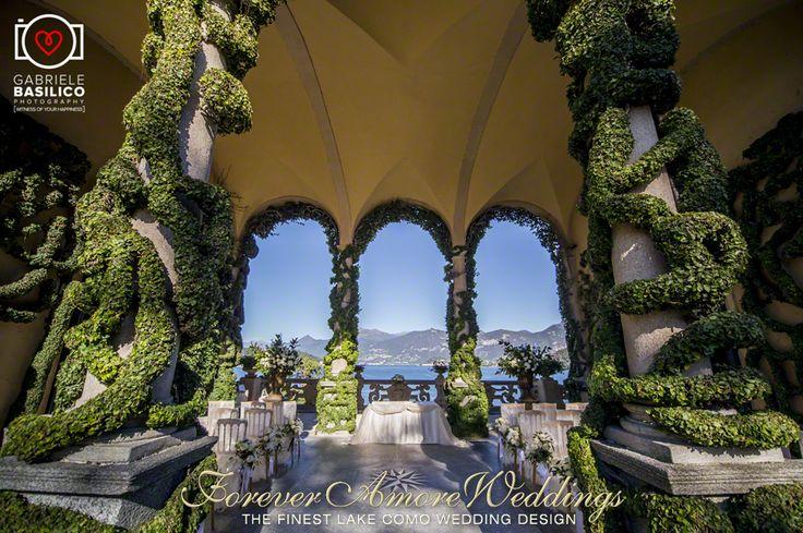 Elegant October wedding at Villa Balbianello, Loggia Durini (Arched Loggia). Picture by Gabriele Basilico ©