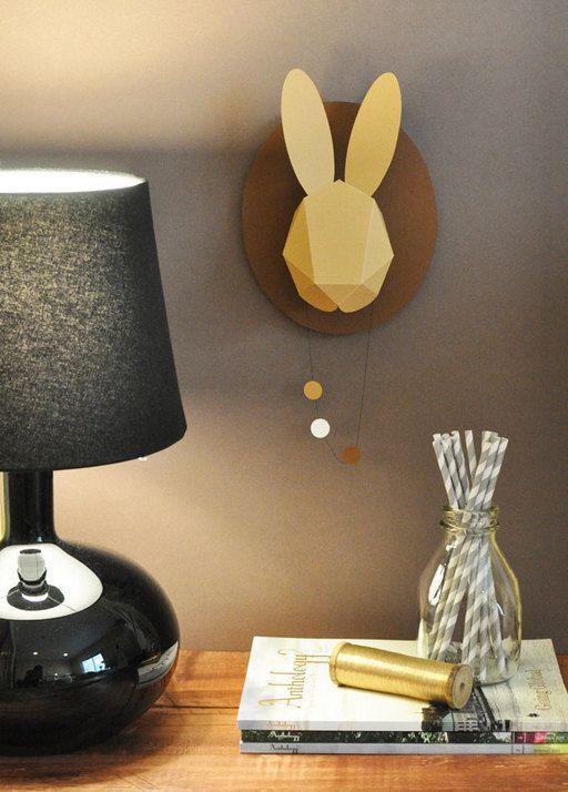 Koppen van rendieren of herten kennen we al als papieren ornamenten aan de muur.