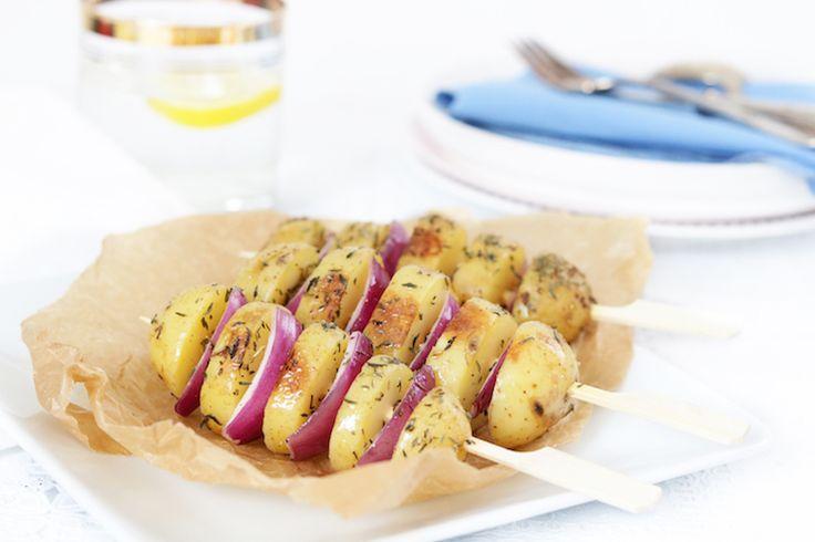 Aardappelspiesjes met rode ui en tijm