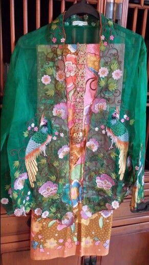 Green organza silk kebaya