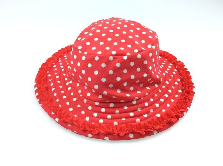 LILY & DAN, red & white sun / swim hat with chin strap, excellent pre-loved condition (EUC), girl's size 1, $3 #kidsfashion #babyclothes