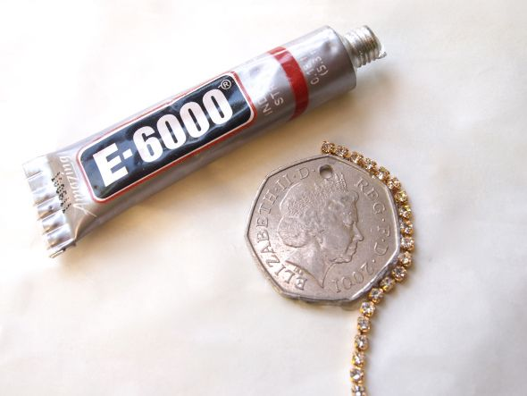 57 best images about cool coin crafts on pinterest for What kind of glue to use for jewelry