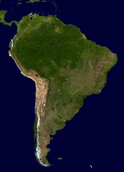 :South America - Blue Marble orthographic.Güney Amerika, dünyanın en yüksek şelalerine, Angel Şelalesi, Venezuella; en geniş nehrine (hacim), Amazon Nehri; en uzun sıra dağlarına, And Dağları; (en yüksek dağı 6,962 m Aconcagua); yeyüzünün en kuru çölüne, Atakama Çölü; en geniş yağmur ormanlarına, Amazon yağmur ormanları; en yüksek başkentine, La Paz, Bolivya; en yüksek ticari ve turistik değere sahip gölüne, Titikaka Gölü; Güney Amerika'nın uzaydan görünümü (NASA)