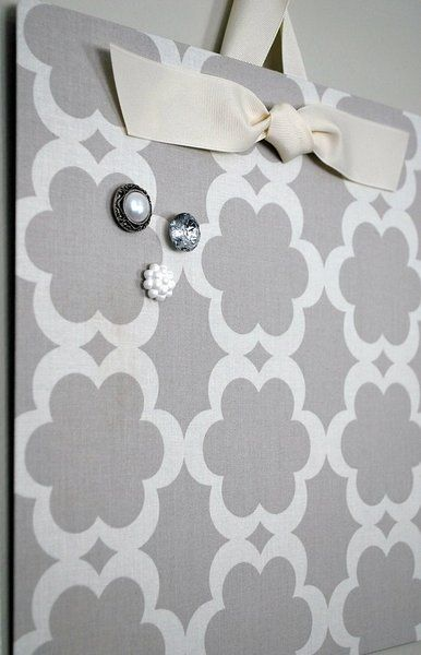 Ten easy diy gift ideas!!!!!!!!! Cover a flat cookie sheet with cute fabric for an instant magnetic board. This is a perfect gift idea for a coworker or a friend who landed a new job!