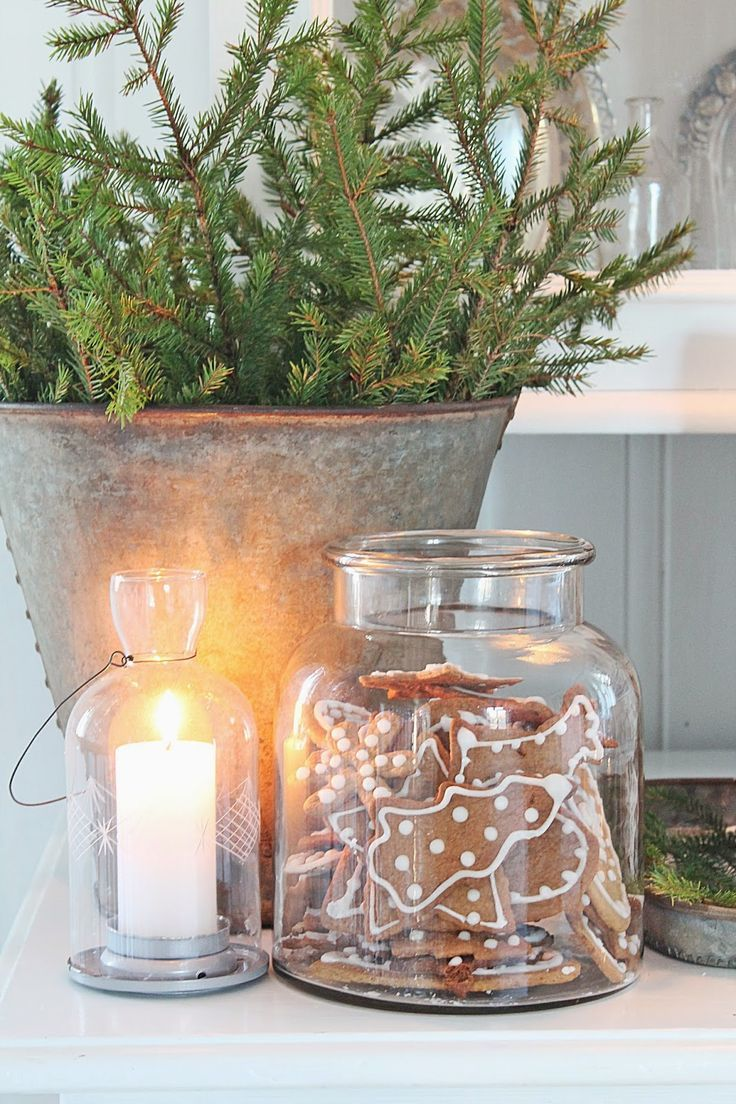 VIBEKE DESIGN | simple Christmas decor | galvanized metal greenery glass candle | LFF Designs | http://www.facebook.com/LFFdesigns