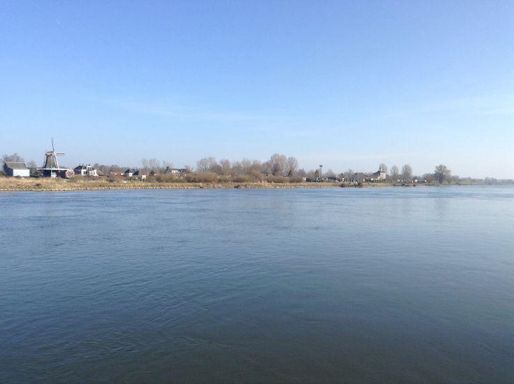 2014-03-09 Gezicht op Veessen vanaf het voetveer Fortmond