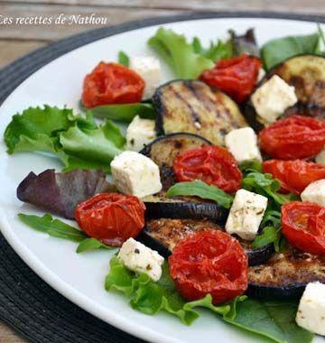 Les aubergines grillées restent l'un des mes antipasti italiens préférés. J'en mangerai à toute heure ! Nathou les prépare en salade avec de la feta et des tomates cerises, pour notre jeu concours Entrées et Salades d'été.