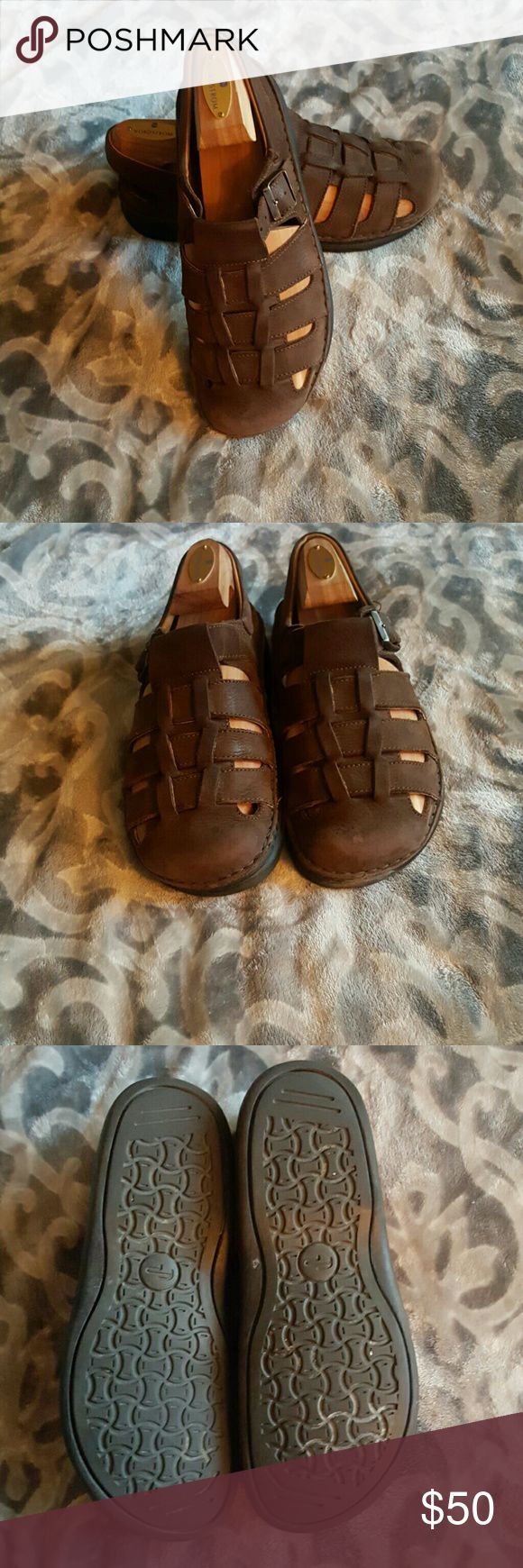 Birkenstock footprints sandles Like new great comfortable sandles with support. All leather worn few times as u can see in pictures. No damages and hardly any wear to the soles. Birkenstock Shoes Sandals