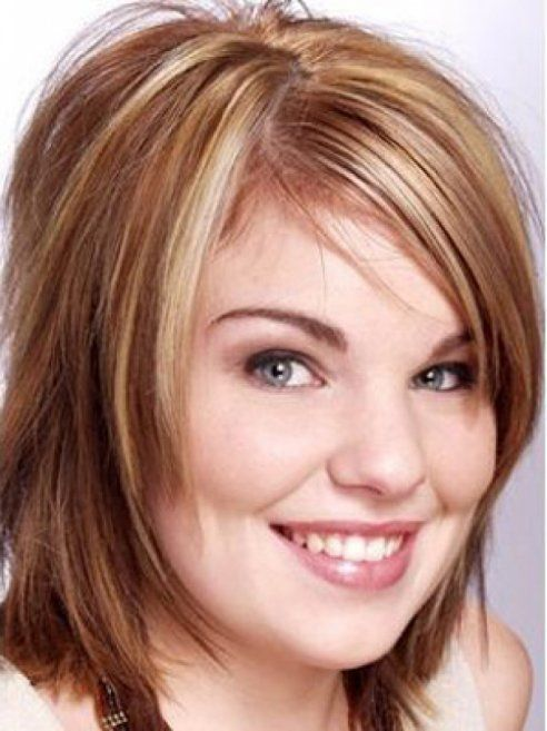 medium hair styles round face