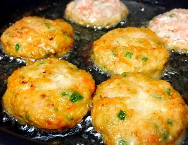 ♡残り野菜de栄養満点♡鶏ひき肉のさつま揚げ風♡【#簡単#節約#時短#作り置き#ヘルシー#揚げない】 : Mizuki
