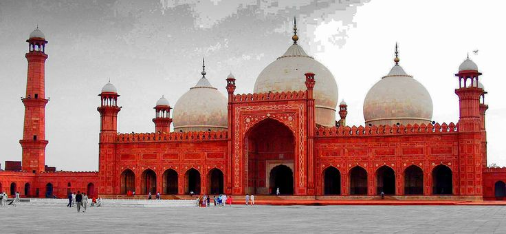 https://flic.kr/p/7kzxFJ | Badshahi mosque (Lahore, Pakistan) | islam in Pakistan represent the 97% of the population  it is the main religion in Pakistan