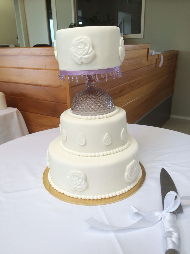 Another view of Becky and Michael's wedding cake
