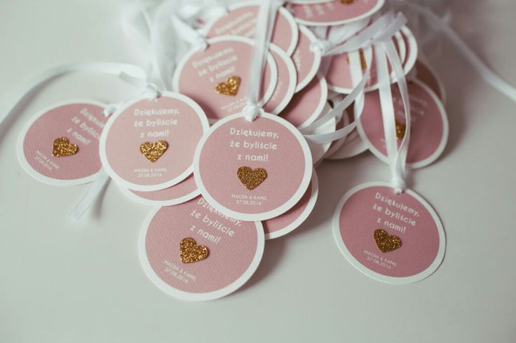 Pink wedding tags with glitter heart #wedding#weddingideas#weddingtags#weddingfavor#favortags