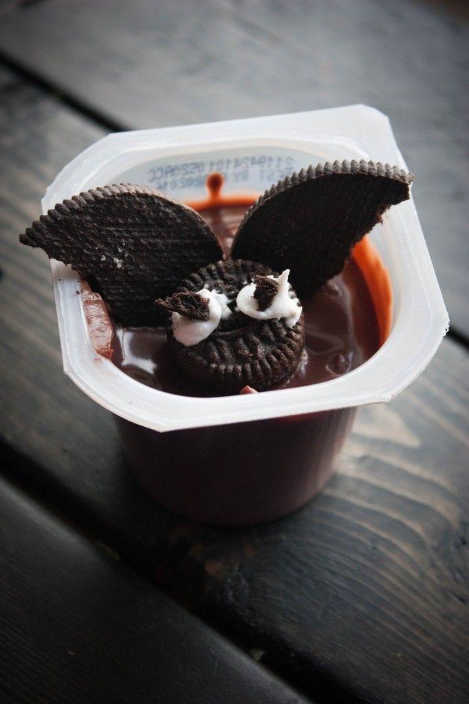 Bat-Pudding-Cups, halloween dessert ideas, easy halloween dessert ideas, kid friendly halloween treats, pudding cups, #snackpackmixins , #shop