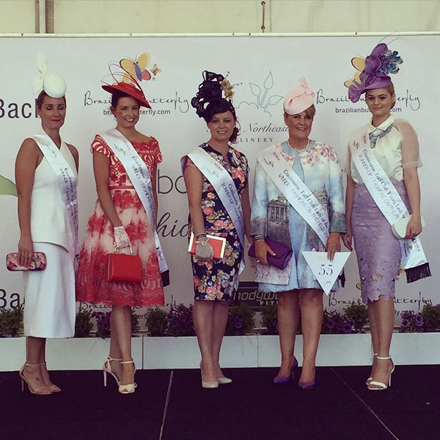 FOTF • Spring has really sprung ☀️ Our @_chlsea (right) just awarded 1st Runner-Up at #cranbournecup Young #LadyoftheDay wearing a custom #hat & #ladyofleisurejewellery 'Beyoncé' #necklace Love lots of #fotf #comps & seeing everyone's unique style! #fashionsonthefield #ladyofleisuremillinery