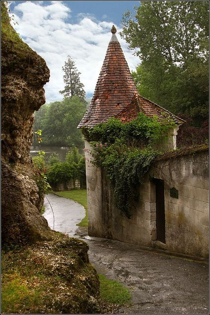 Castle Entry, Aquitaine - France