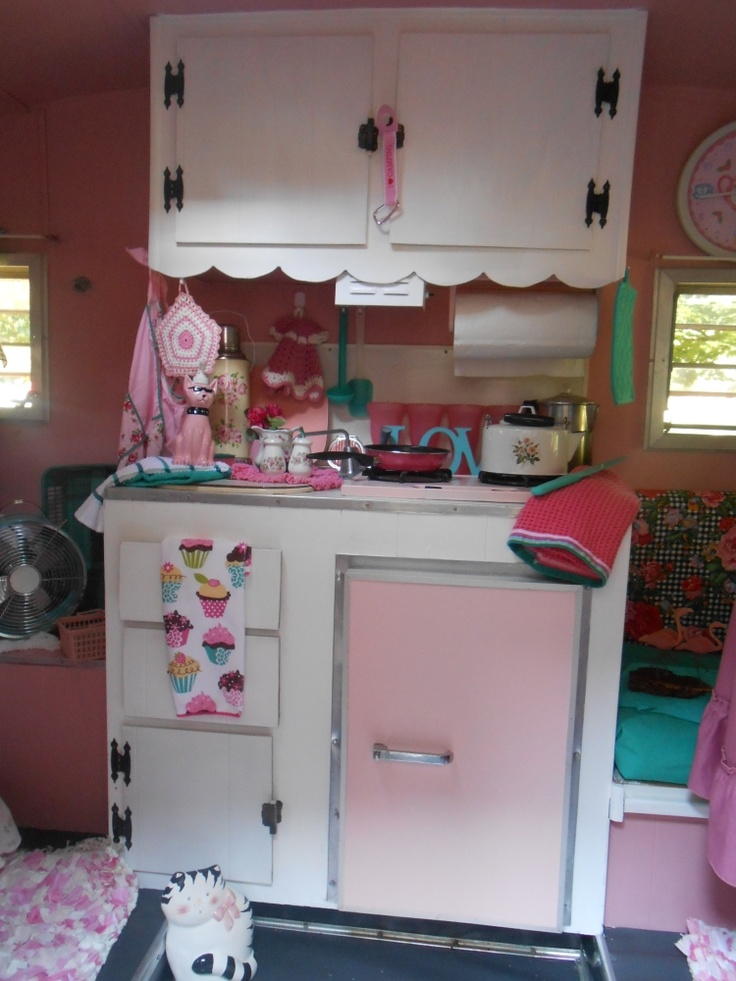 Here Is A PlayMor Camper For Sale I Think The Pink Just So Sweet Looking Know Many Of You Are Small Cute Canned Ham