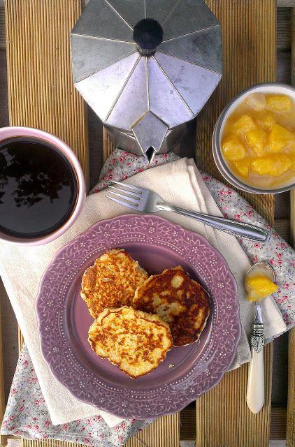 Oatcakes with Peach-Vanilla Compote / Tortitas de Avena con Compota de Melocotón | honey & figs