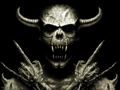 """Los dos puntitos que aparecen sobre algunas letras en los nombres como Motörhead, Mötley Crüe y Queensrÿche, como al azar, se llaman """"umlaut del heavy metal"""". El término umlaut es alemán, y no es exactamente lo mismo que la diéresis del idioma español, aunque sean gráficamente idénticos…  No voy a explicar las diferencias en la pronunciación, pero diré que el umlaut del heavy metal, o metal umlaut, toma prestado su nombre del símbolo alemán… pero no su uso, ya que es sólo una decoración…"""