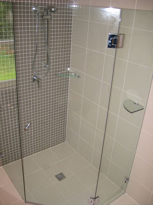 Frameless Glass Splayed Shower Screen