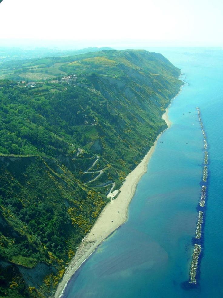 Parco naturale San Bartolo - Fiorenzuola di Focara (Pesaro) http://www.castellodimonterado.it/en/il-territorio/
