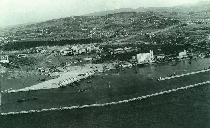 1955 yılında Havadan Haydarpaşa bölgesi ve gerisi Fotoğrafçı: Hilmi Şahenk
