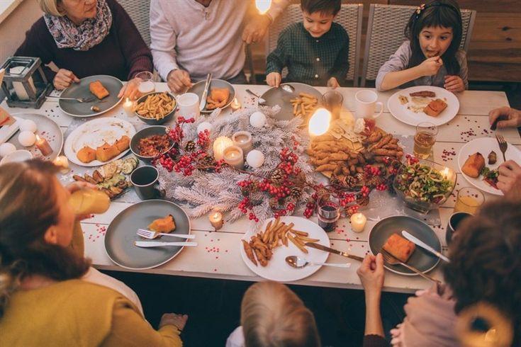 Ojo con los atracones navideños: ¿Empacho o indigestión?      Al menos en España, asociamos la palabra Navidad con celebración, vacaciones, regalos, familia y con comida. Pero no cualquier comida: cenas de empresa y a... http://www.infosalus.com/nutricion/noticia-ojo-atracones-navidenos-empacho-indigestion-20171224081433.html?utm_campaign=crowdfire&utm_content=crowdfire&utm_medium=social&utm_source=pinterest