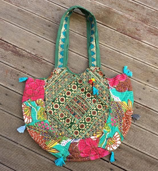 A bit of minty magic!! Our minty boho floral hand embroidered bag....only 2 left & only $35... Use code AUSDAY17 to get 25% off storewide