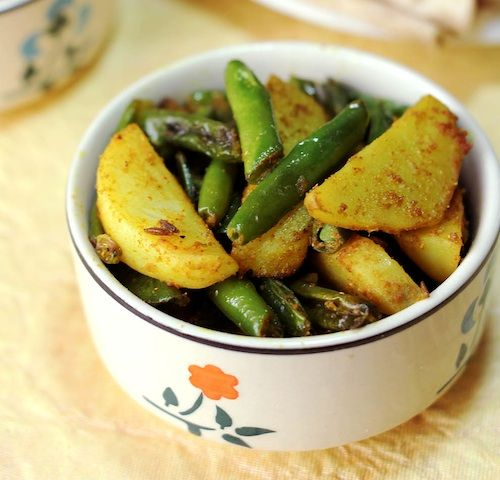 Monica's Indian Express: Potatoes and Green beans with cumin