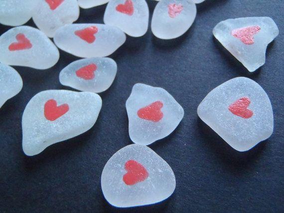 san valentino vetri di mare bianco cuori rosa nozze matrimonio partecipazioni materiale creare mosaico spiaggia rustico lasoffittadiste
