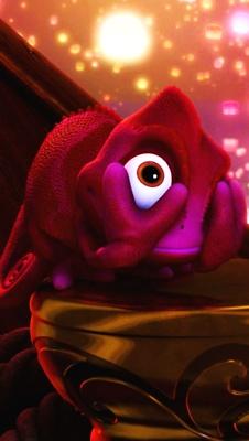 AHHH! Don't look, Pascal! Disney ♥ Tangled