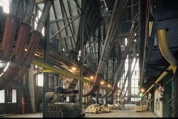 Machineruimte op de mijnsite van de kolenmijn van Zolder (Heusden-Zolder) in 1990. [B. Van Doorslaer/PCCE - I.9]