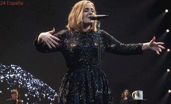 """Adele, durante un concierto: """"No sé si volveré a irme de gira"""""""