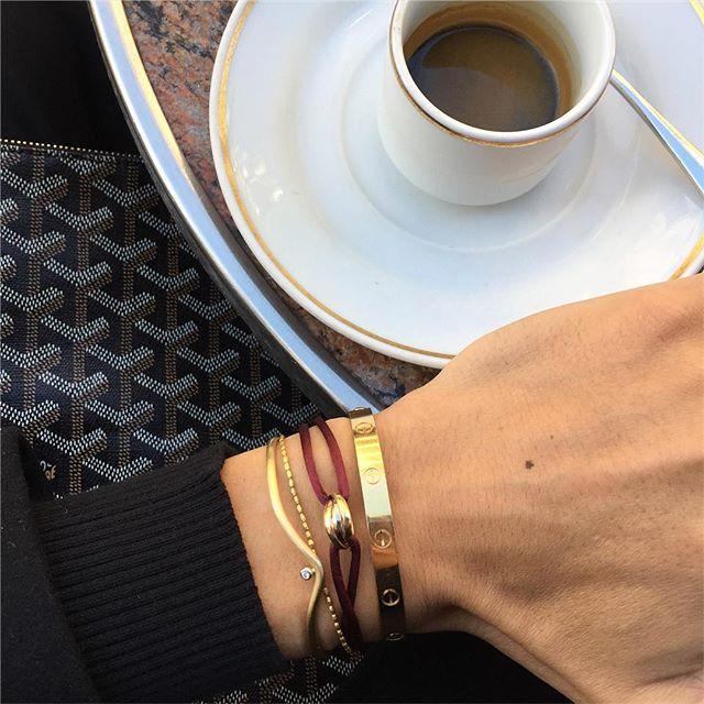 "WEBSTA @ thebirkinboy - Gold details ... Cartier""Love""gold bracelet/ Cartier""Trinity""bracelet/ Dos Santos gold bracelet/ Antonio Bernardo gold bracelet ... #thebirkinboy #thebirkinboyinstagram #birkinboydetails #birkinboy #golddetails #gold #coffeebreak #"