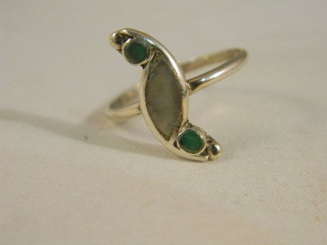 Vintage Sterling Silver, Jade and Abalone Ring / Southwestern Old Pawn Ring / Old Ring Size 6 by VintageBaublesnBits on Etsy