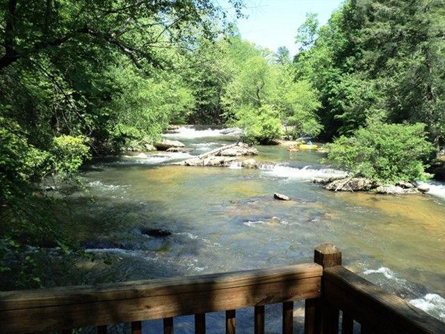 Best 25 georgia cabin rentals ideas on pinterest blue for Vacation cabins north georgia mountains