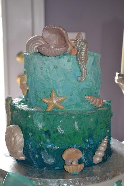 Lovely seashell cake at a Mermaid Party #mermaidparty #cake