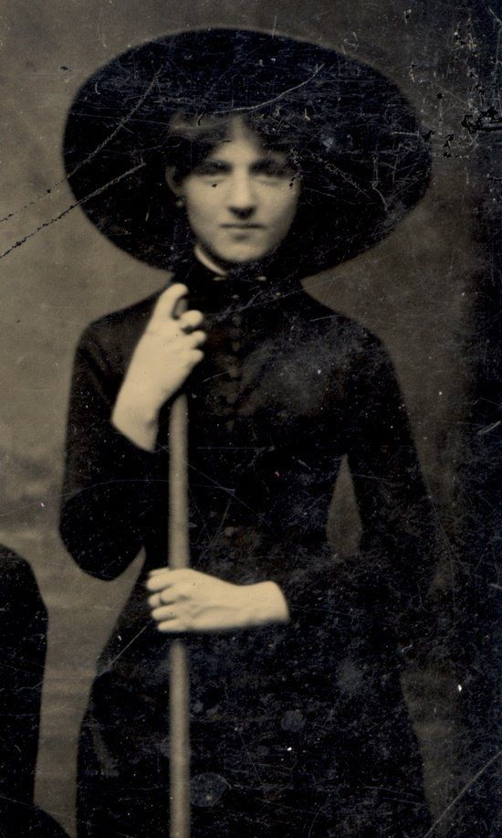 Vintage Witch, circa 1875. Looks like a young Granny Weatherwax.