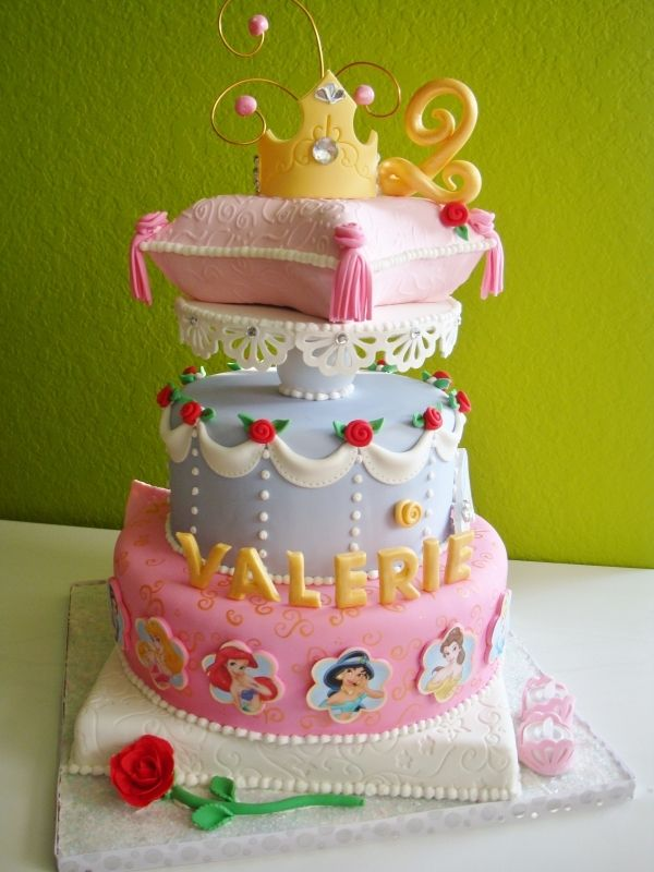 Warning: Your kids are about to go crazy for these Disney Princess cakes