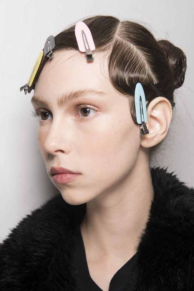 Смелые эксперименты и тенденции макияжа Недели моды в Лондоне | Красота | Тенденции | VOGUE