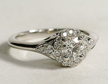 Wow. Gorgeous! LOVE this kind of VINTAGE!